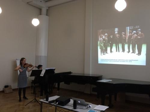Annemarie Åström viulu ja Mari Järvi piano