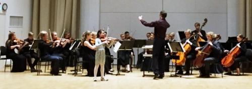 Uusi Lahti -orkesteri solistinaan Lisa Terentieva, kapellimestarina Janne Saarinen